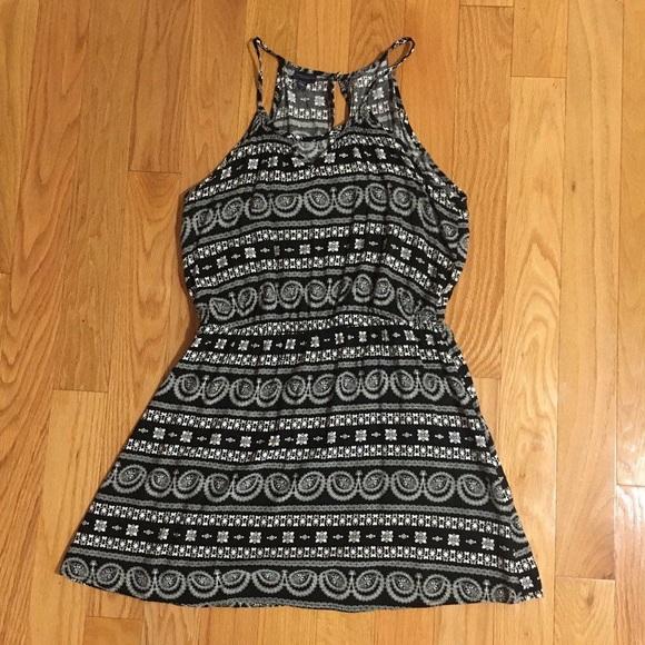 Aeropostale Dresses & Skirts - Aeropostale Printed Black & White Halter Dress